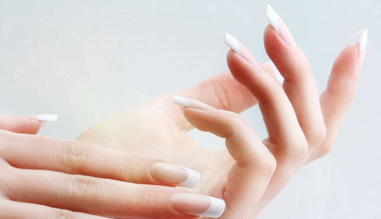 French-blanche-nails-collection